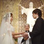 【結婚式】神父と牧師の違いは?呼ぶのはどちらなの?