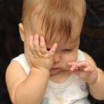 赤ちゃんの目やにが片目に出る原因は?病気なの?取り方を紹介!