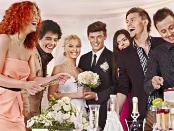 結婚式 平服
